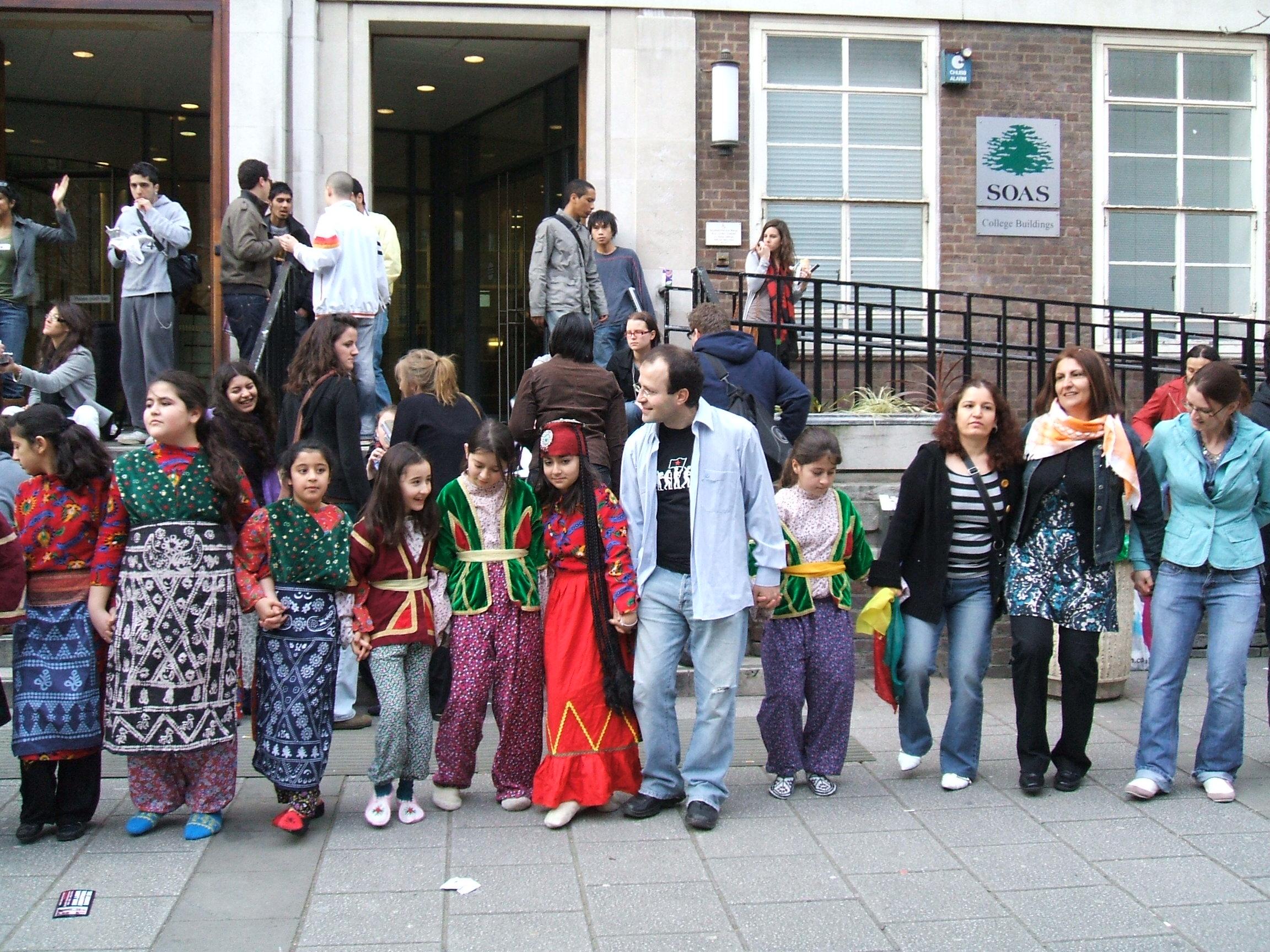 مراسم ترویج و تبادل فرهنگی در دانشگاه لندن سال 2004
